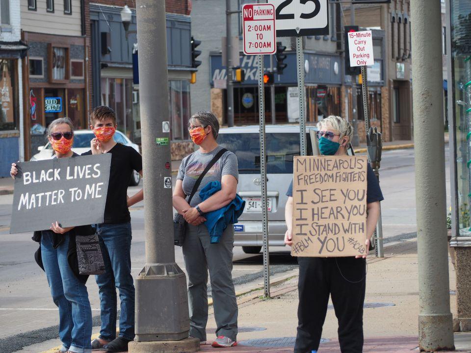 Menomonie  Protest